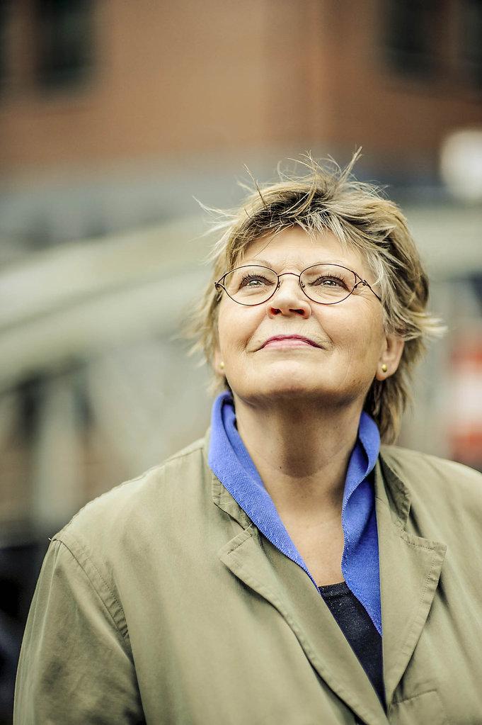 Petra Oelker